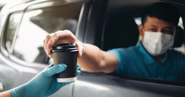 car-integrated-ecommerce---ordering-food-pickup-coffee-100